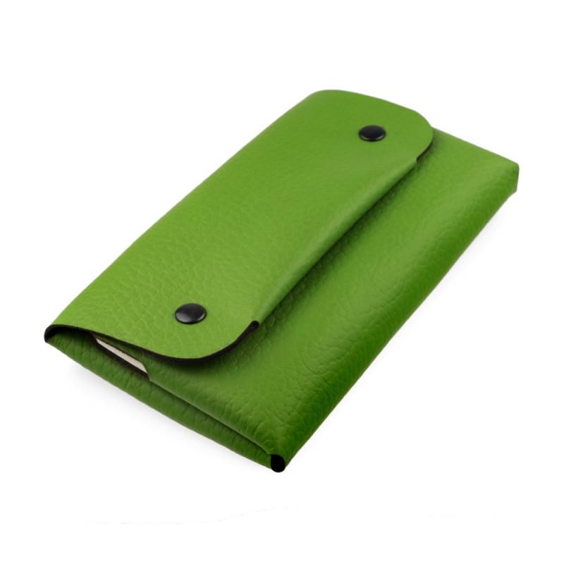 Compact women wallet in green